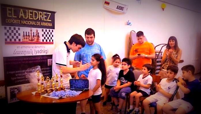 ajedrez en club armenio-001.jpg